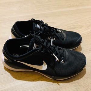 🌺Nike Fitsole sneakers